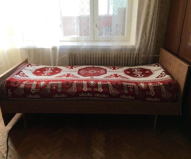 Кровать полуторка с матрасом. Фото 1.