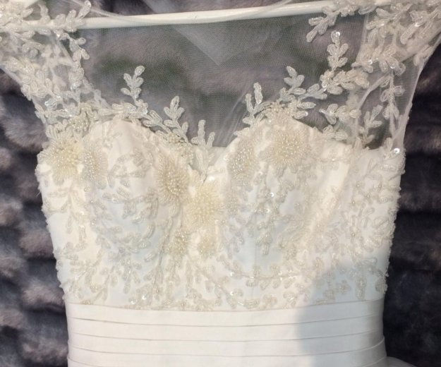 Свадебное платье oksana mukha. Фото 4. Иваново.