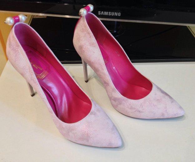 Новые туфли очень не обычного цвета. Фото 1. Железнодорожный.