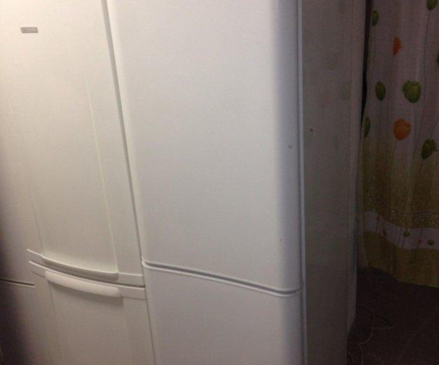 Холодильник 2 метра indesit 2x компрессорный.. Фото 1. Санкт-Петербург.