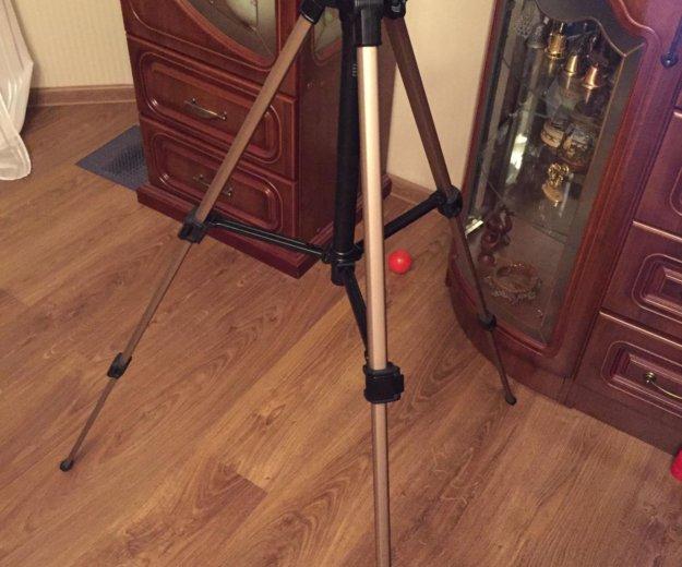 Штатив для видеокамеры. Фото 3. Москва.