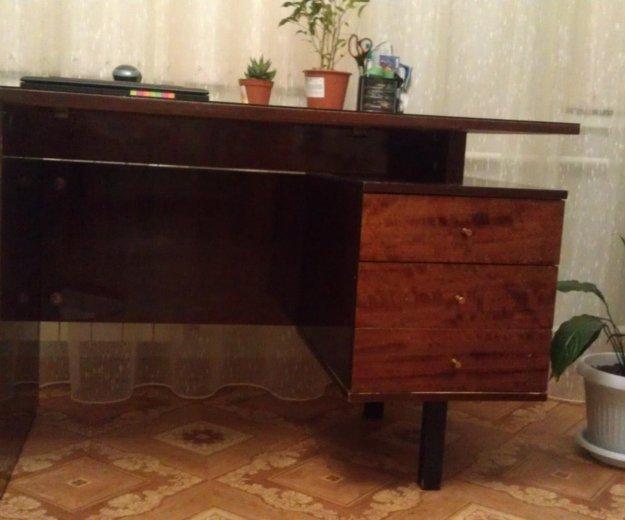 Письменный стол. Фото 1. Омск.