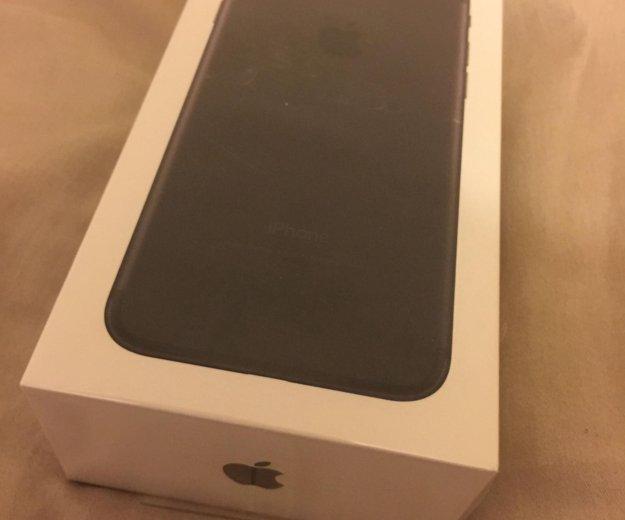 Iphone 7 32 gb чёрный новый в упаковке. Фото 1. Москва.