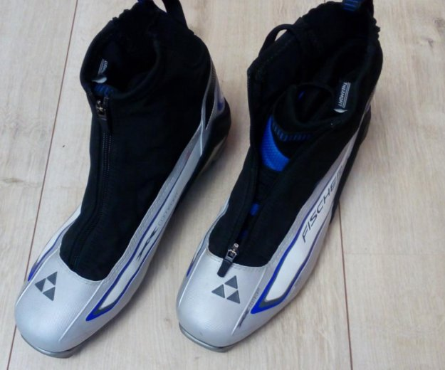 Лыжные ботинки фишер. Фото 1. Климовск.