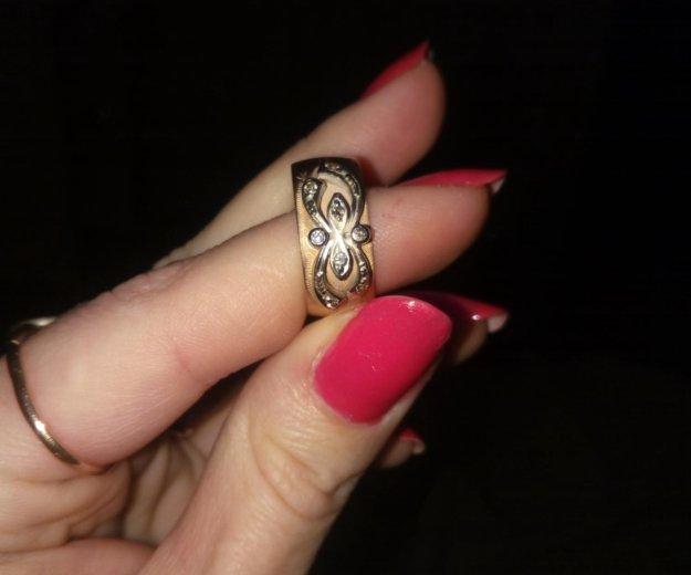 Золотое кольцо 8камней   бриллиант. тел89258612262. Фото 1. Жуковский.