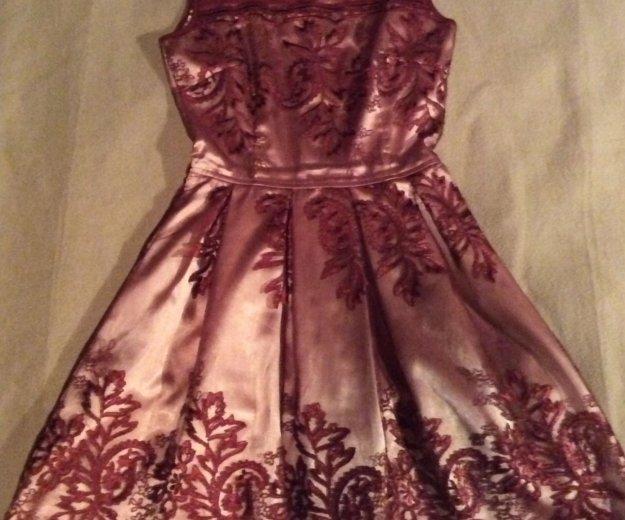 Красивейшее кружевное платье 42 р. Фото 1. Реутов.