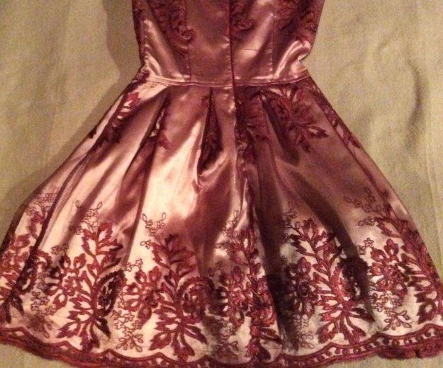 Красивейшее кружевное платье 42 р. Фото 2. Реутов.