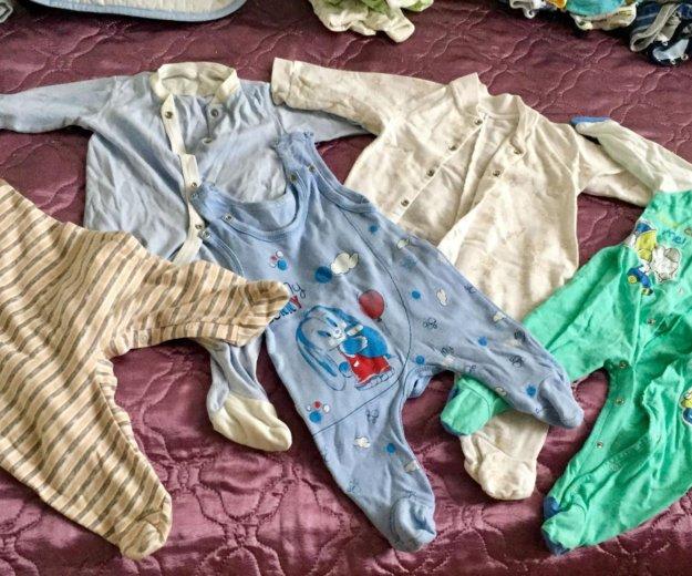Комбинезоны утеплённые, боди, детская  0-7 мес. Фото 1. Сочи.