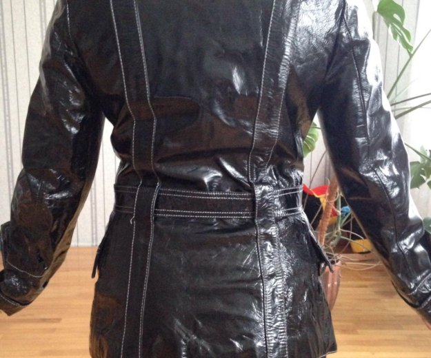 Лаковая куртка. Фото 1. Ставрополь.