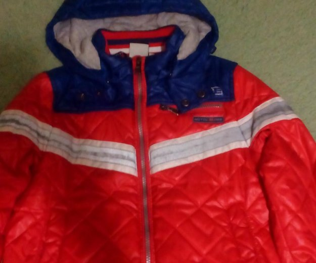 Куртка демисезонная на мальчика. Фото 1. Нефтеюганск.