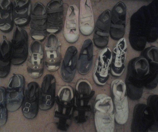 Очень много обувь. Фото 1. Москва.