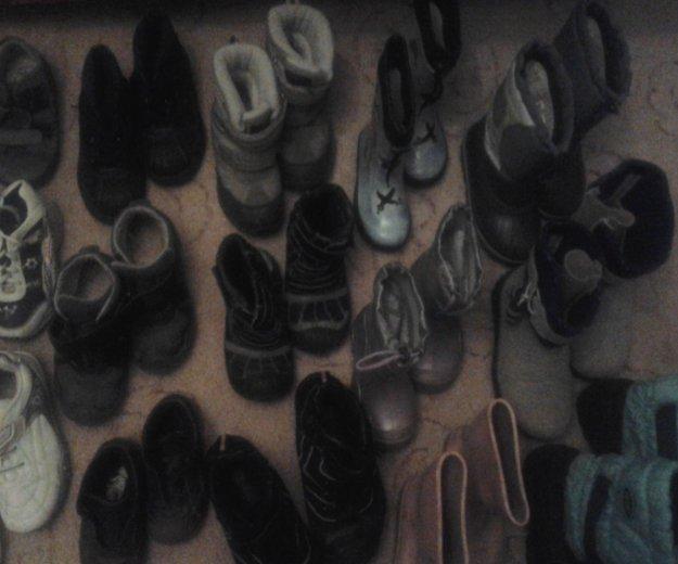 Очень много обувь. Фото 2. Москва.