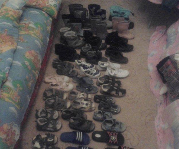 Очень много обувь. Фото 4. Москва.