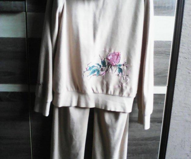Велюровый костюм 44-46р. Фото 1. Ессентукская.