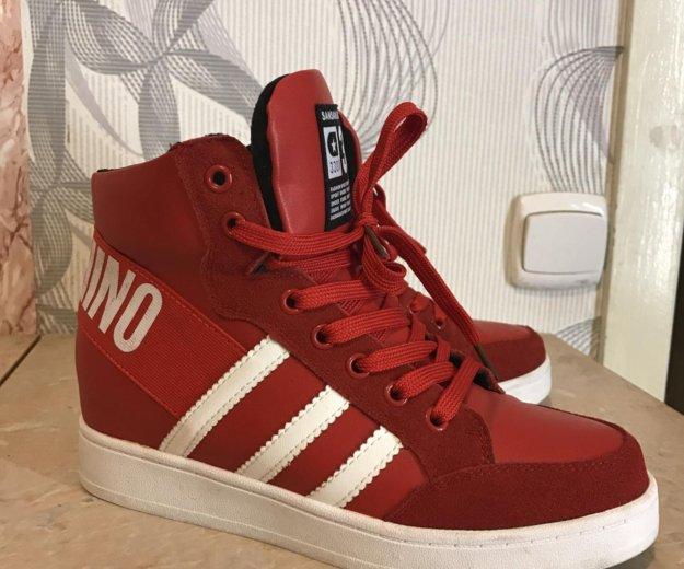 Красные стильные кроссовки. Фото 1. Санкт-Петербург.