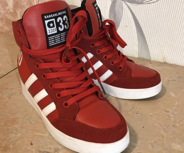 Красные стильные кроссовки. Фото 4. Санкт-Петербург.