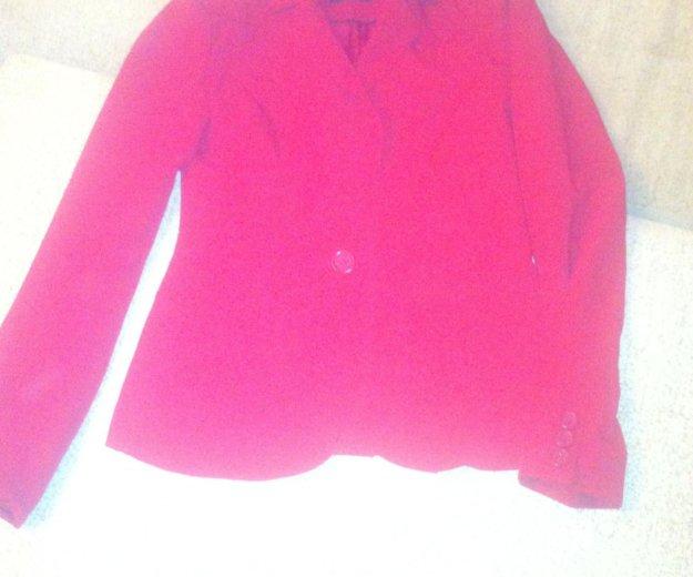 Шикарно-красный пиджак. Фото 1. Санкт-Петербург.