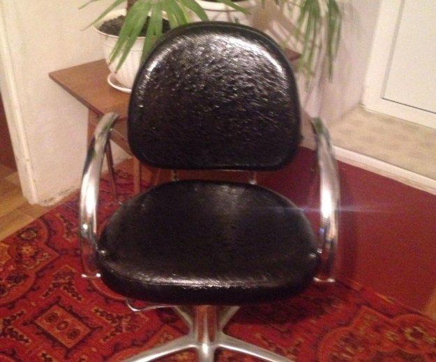 Кресло парикмахерское. Фото 1. Омск.