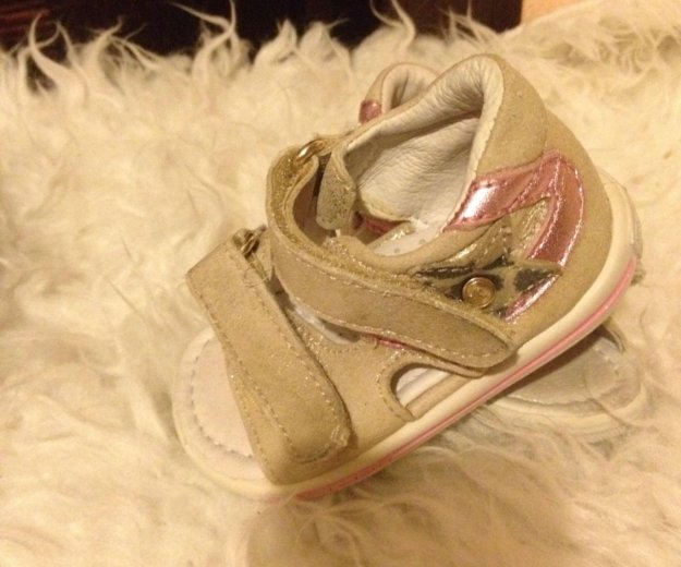 Обувь для девочки комплект 18 р-р. Фото 3. Москва.