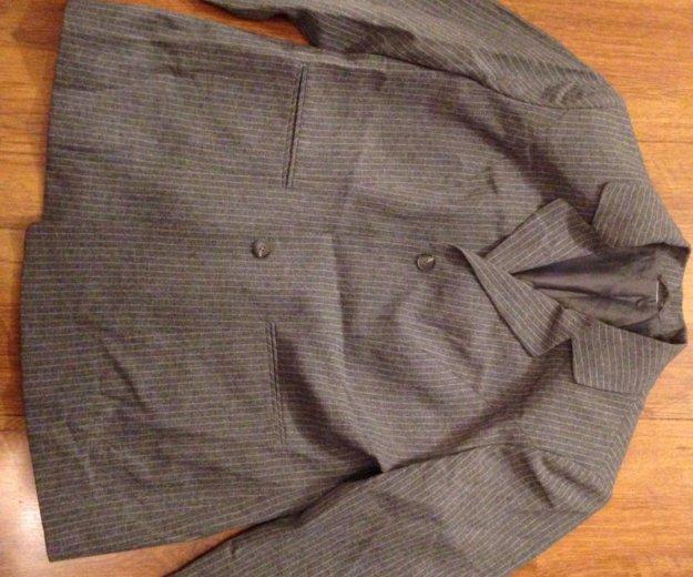 Пиджаки, 50-52. Фото 2. Тюмень.
