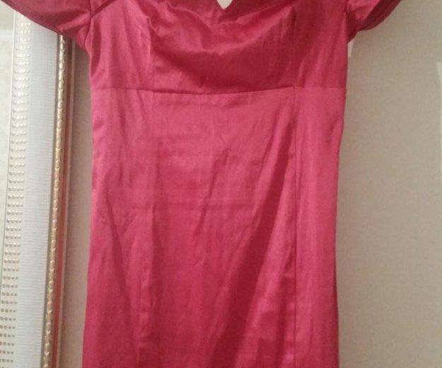 Малиновое платье. Фото 1. Новороссийск.