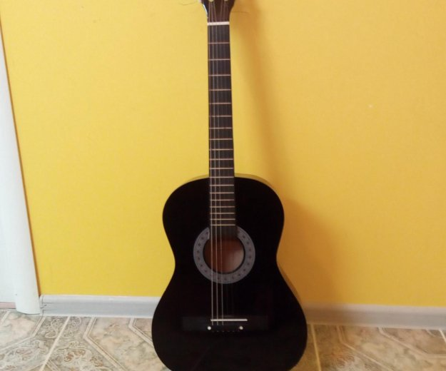Гитара. Фото 1. Анапа.
