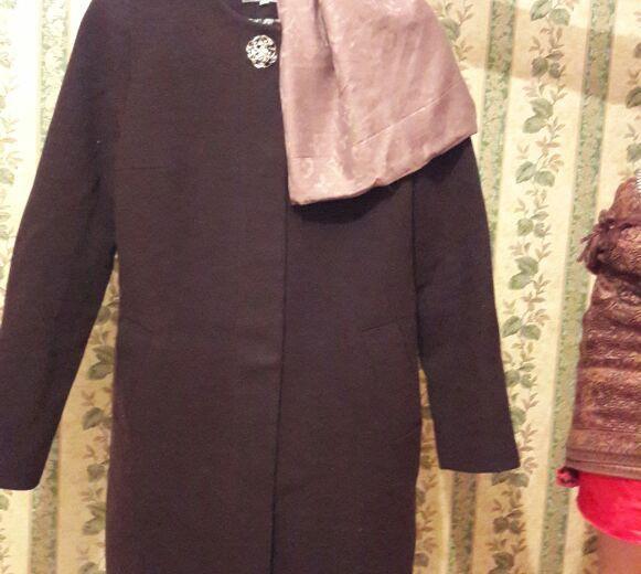 Пальто осень и весна,новая с шарфиком. Фото 1. Лосино-Петровский.