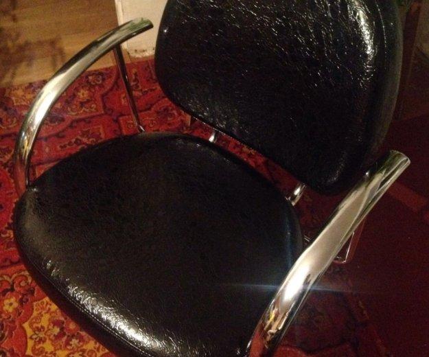 Кресло парикмахерское. Фото 2. Омск.