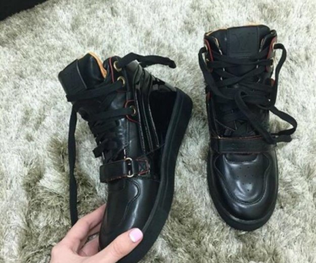 Ботинки. Фото 1. Сочи.