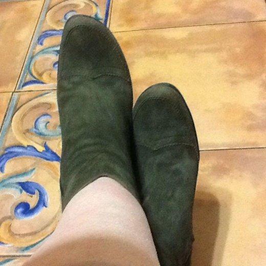 Продаю осенние замшевые  ботиночки. Фото 4. Москва.