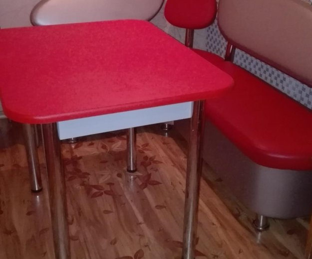 Кухонный набор стол 90 на 70уголок110 на 150. Фото 1. Серпухов.