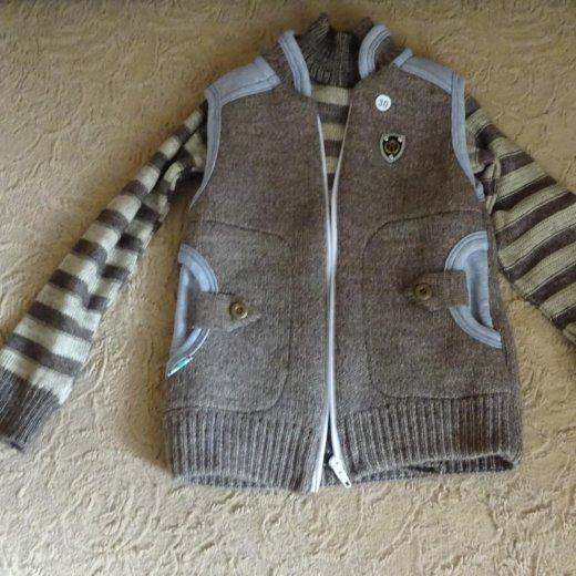 Жилетка и свитер. Фото 2. Ставрополь.