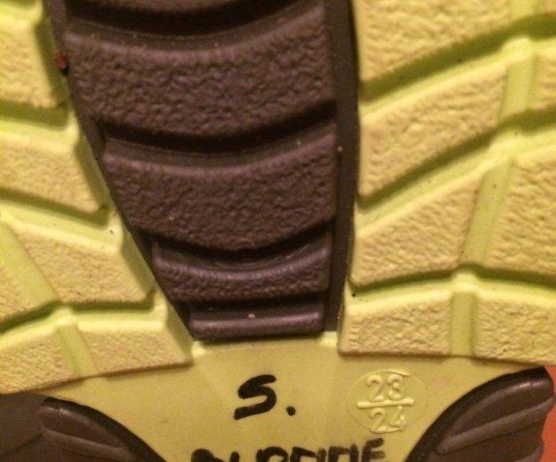 Резиновые утепленные сапожки. Фото 2. Сочи.