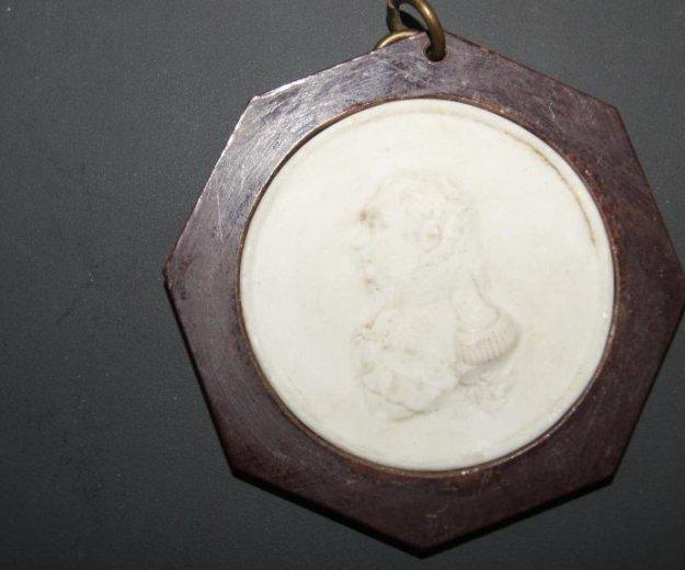 Фарфоровая медаль кутузов 1912 год. Фото 4. Санкт-Петербург.