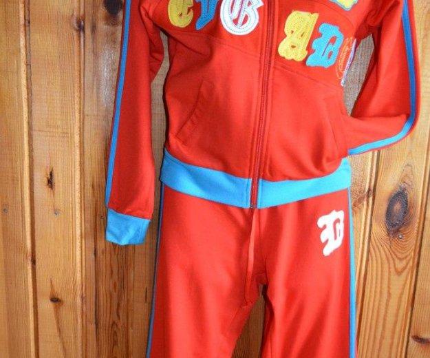 Новый спортивный костюм. Фото 1. Псков.
