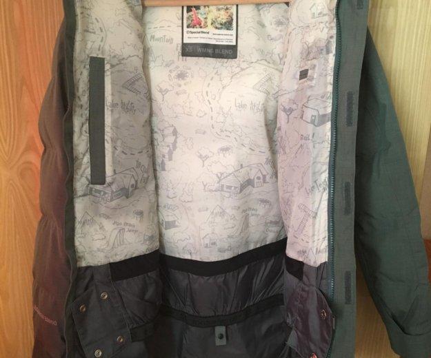 Сноубордическая женская куртка. Фото 3. Москва.