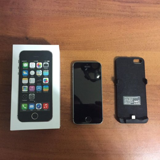 Iphone 5s 16 гб с зарядкой-чехлом. Фото 1. Москва.
