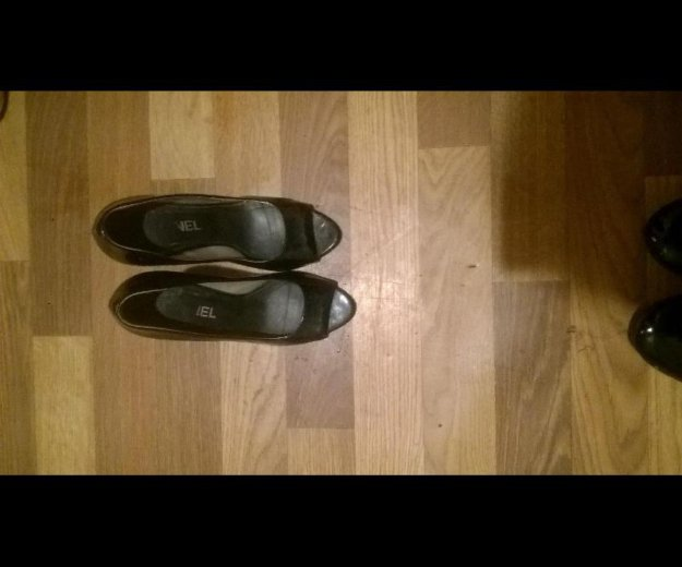 Туфли на каблуках. Фото 1. Москва.