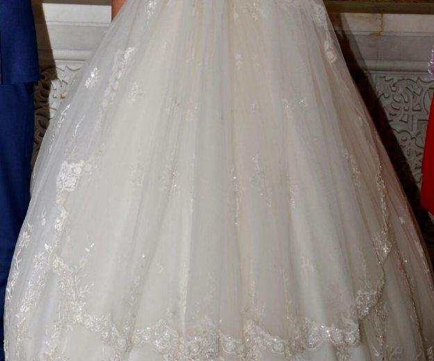 Красивое и счастливое свадебное платье!!. Фото 1. Ростов-на-Дону.