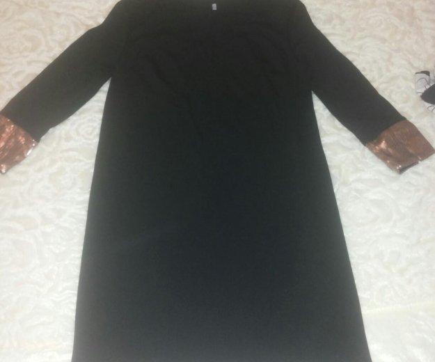 Платье трикотажное с паетками 44 размер. Фото 3. Долгопрудный.