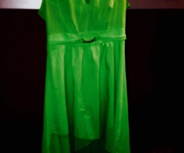 Платье ярко зеленое со шлейфом. Фото 1. Москва.