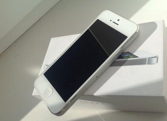Айфон 5 iphone 16 gb. Фото 1. Казань.