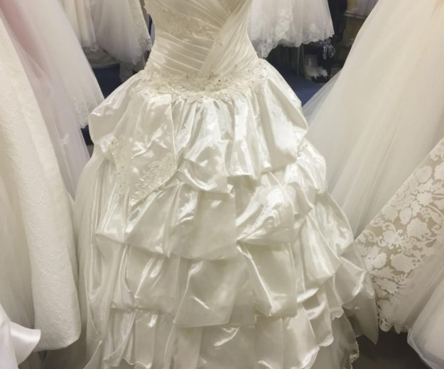 Новое свадебное платье. Фото 1. Москва.