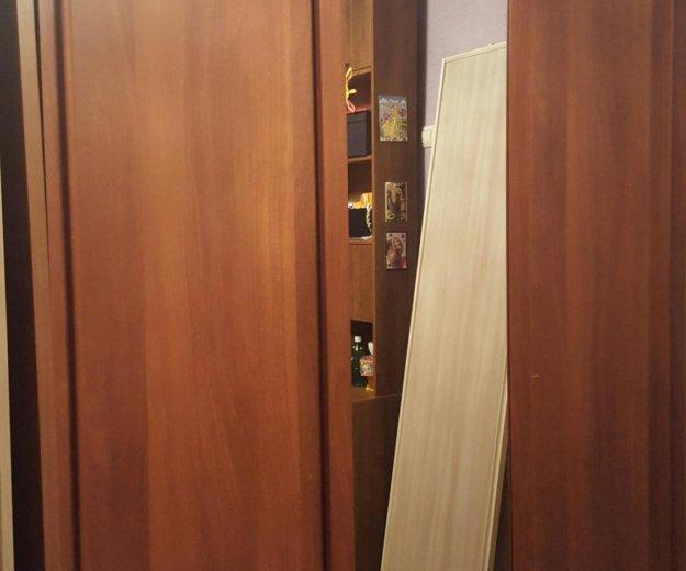 Шкаф купе 3-х створчатый. Фото 1. Сочи.