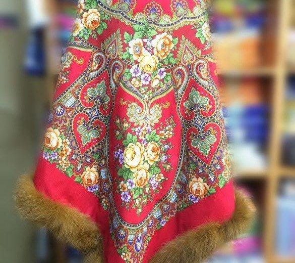 Утепленная накидка из павловопосадского платка. Фото 2. Ивантеевка.