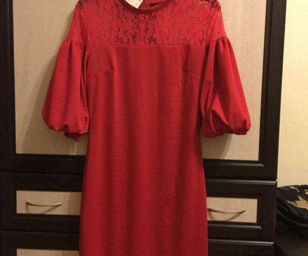 Красное платье. Фото 1. Мурино.