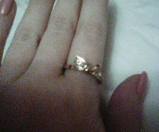 Кольцо с цирконами. Фото 2.