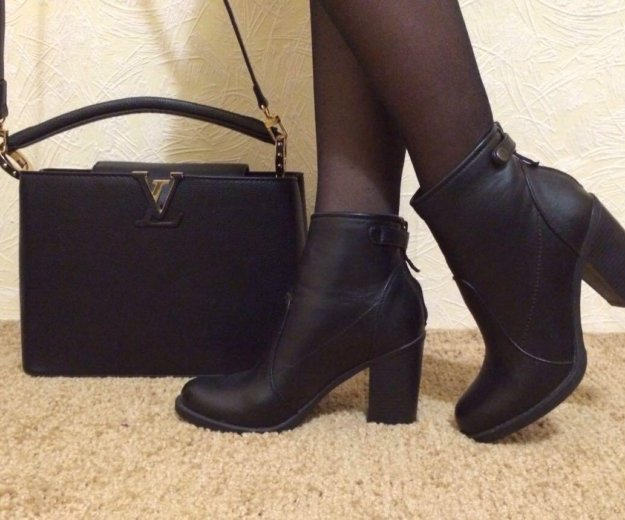 Сумка и ботинки. Фото 1. Омск.
