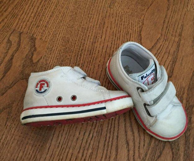 Детскя обувь. Фото 2. Москва.