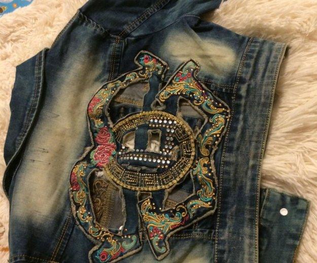 Жилетка джинсовая. Фото 2. Анапа.